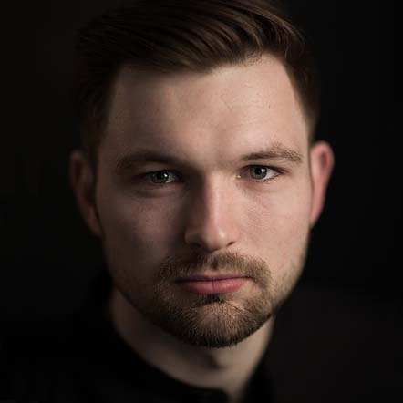Photo of http://www.independentopera.com/images/uploads/Singers/James_Newby_new_headshot.jpg